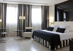 Hotel Maydrit Airport - Madrid - Bedroom