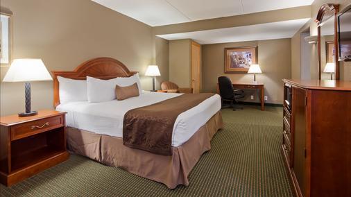 Best Western Plus Longbranch Hotel & Convention Center - Cedar Rapids - Schlafzimmer