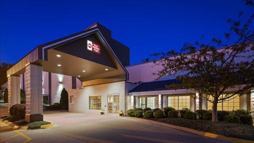 Best Western Plus Longbranch Hotel & Convention Center - Cedar Rapids - Gebäude