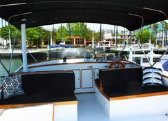 Dockside Boat & Bed Long Beach - Long Beach - Vista del exterior