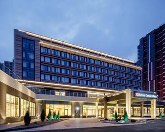 Hilton Garden Inn Novorossiysk - Novorossiejsk - Gebouw