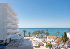 利雅岩石俱樂部 - 班那馬德那 - 貝納爾馬德納 - 海灘