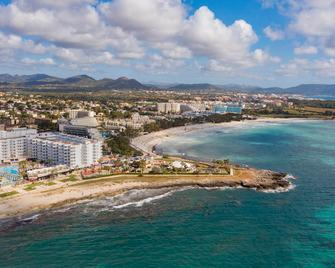 Hotel Palia Sa Coma Playa - Sa Coma - Venkovní prostory