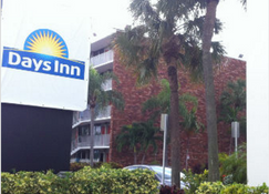 Days Inn by Wyndham Fort Lauderdale Airport Cruise Port - Fort Lauderdale - Edificio