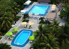 卡呂普索坎昆酒店 - 坎昆 - 坎昆 - 游泳池