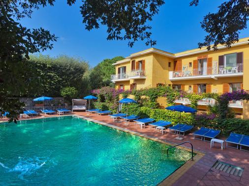 Hotel Cleopatra - Ischia - Toà nhà