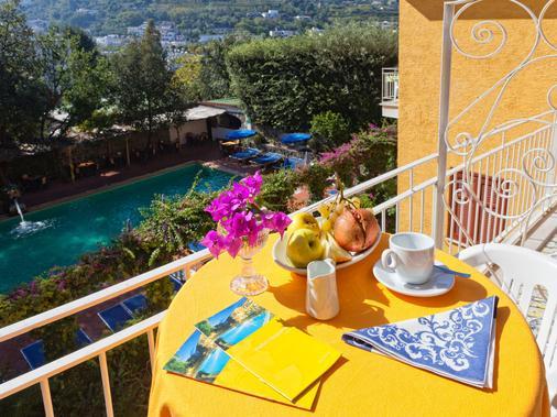 Hotel Cleopatra - Ischia - Ban công