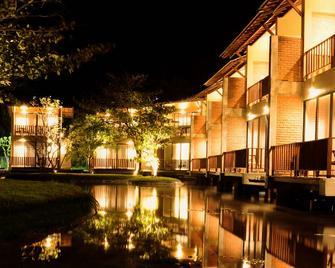 South Lake Resort Koggala - Коггала - Building