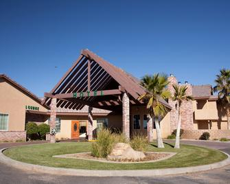 Comfort Inn & Suites - Mojave - Building
