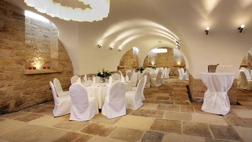 Schlossl Oberotterbach - Bad Bergzabern - Banquet hall