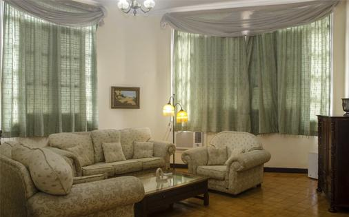 Hotel Plaza - Havana - Living room