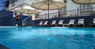 Villa Garden Braga - Braga - Bể bơi