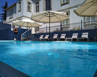 Villa Garden Braga - Braga - Pool