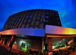 Biss Inn Hotel - Goiânia - Edifício