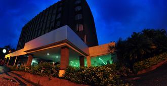 Biss Inn Hotel - גואיאניה - בניין