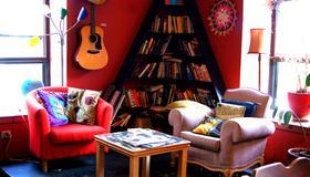 Auberge Alternative - Montreal - Living room