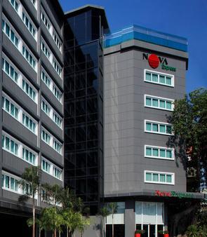 Nova Express Pattaya Hotel - Trung tâm Pattaya - Toà nhà