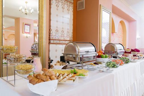 Hotel Polustrovo - Pietari - Buffet