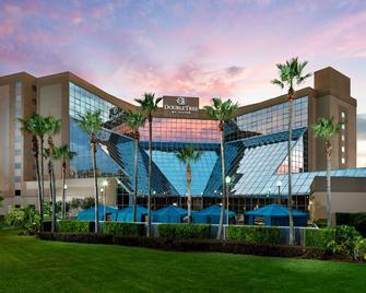 DoubleTree by Hilton Orlando Airport - Orlando - Building