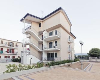 Longomare Residence Vacanze - Corigliano Calabro - Gebäude