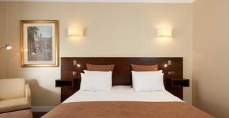 Hotel De Sevres - Paris - Bedroom