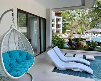 Azura Beach Resort - Adults Only - Samara - Патіо