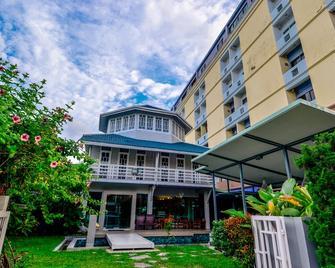 Viva Hotel Songkhla - Songkhla - Building