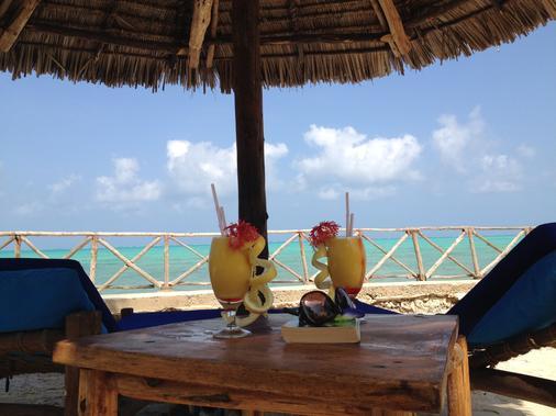 Casa del Mar Hotel Zanzibar - Jambiani - Beach