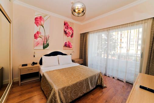 Jasmine Court Hotel & Casino - Kyrenia - Bedroom