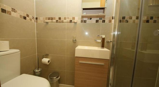 St. Joseph Hotel - London - Bathroom