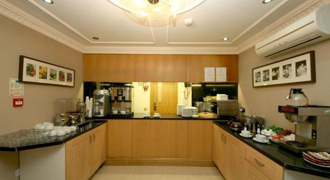St. Joseph Hotel - London - Buffet