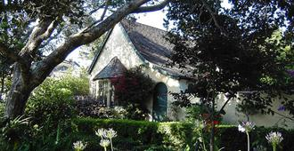 Edgemere Cottages - Carmel-by-the-Sea - Building