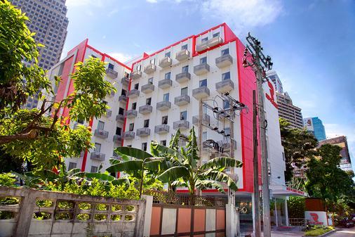 Red Planet Bangkok Asoke - Bangkok - Rakennus