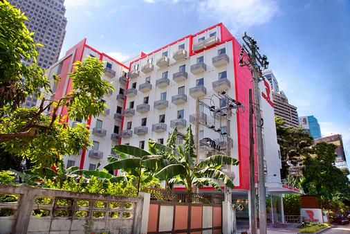 Red Planet Bangkok Asoke - Bangkok - Building
