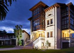 Hotel Indiana Llanes - Llanes - Building