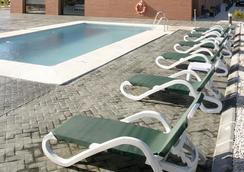 Hotel Posadas de España Málaga - Malaga - Piscine