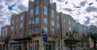 TRYP By Wyndham Savannah Downtown/Historic District - Savannah - Edificio