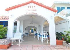 Tres Palmas Inn - San Juan - Edificio