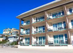 Beach Terrace Inn - Carlsbad - Building