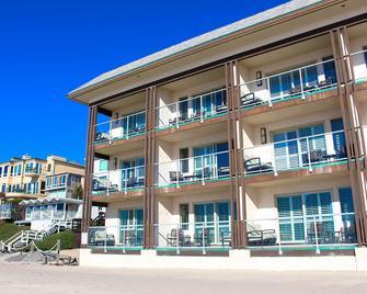 Beach Terrace Inn - Карлсбад - Building