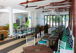 Crystal Sands Beach Hotel - Maafushi - Ravintola