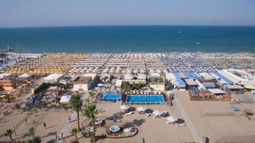 Hotel Blue Moon - Rimini - Bãi biển