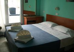 Hotel Blue Moon - Rimini - Phòng ngủ
