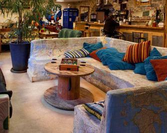 Le Flaneur Guesthouse - Lyon - Sala de estar