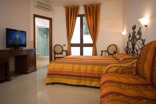 Hotel Hieracon - Carloforte - Bedroom