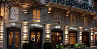 Hotel Platzhirsch - Zúrich - Edificio