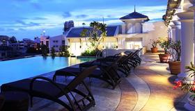 奇萊克斯度假酒店 - 曼谷 - 游泳池