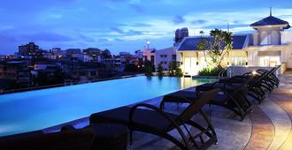Chillax Resort - Bangkok - Piscine