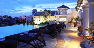 Chillax Resort - Bangkok - Piscina