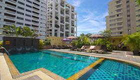 Woraburi Sukhumvit Hotel and Resort - Bangkok - Piscine